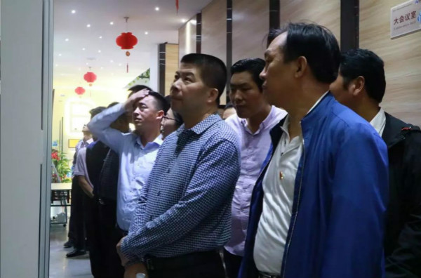 甘藏自治州工商联一行莅临白鸽保险考察观摩